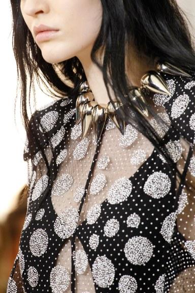 Louis Vuitton parure pétale necklace